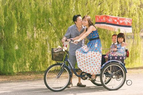 Outdoor Family Photoshoot at East Coast Park (Wan Yuan, Yiting, Sarahbelle, Isaac)